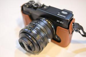 X-E1にマウントアダプタでUltron 40mm